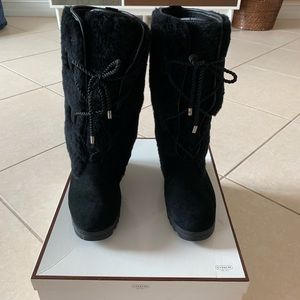 Authentic Coach Solid Suede Wedge Boots